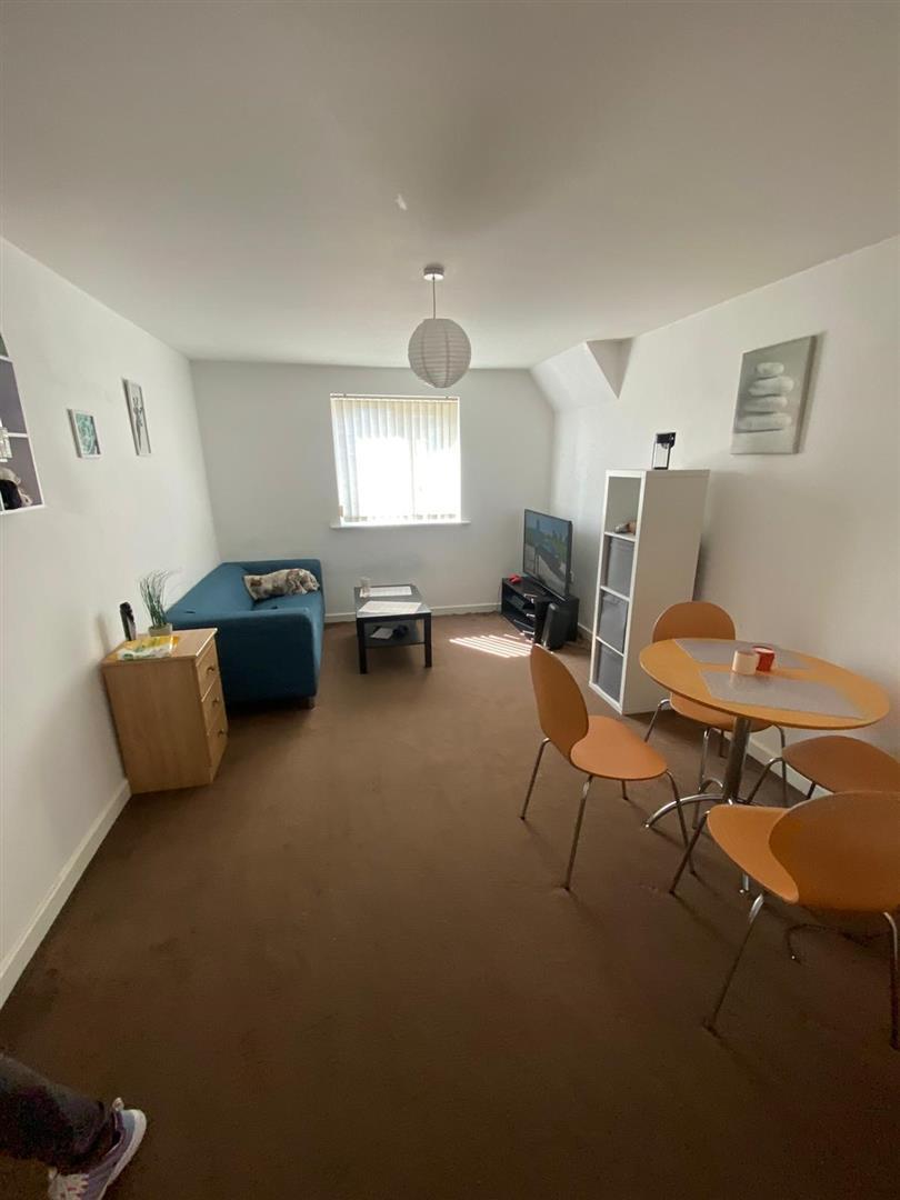 2 Bedroom Block Of Flats For Sale - 14.jpg
